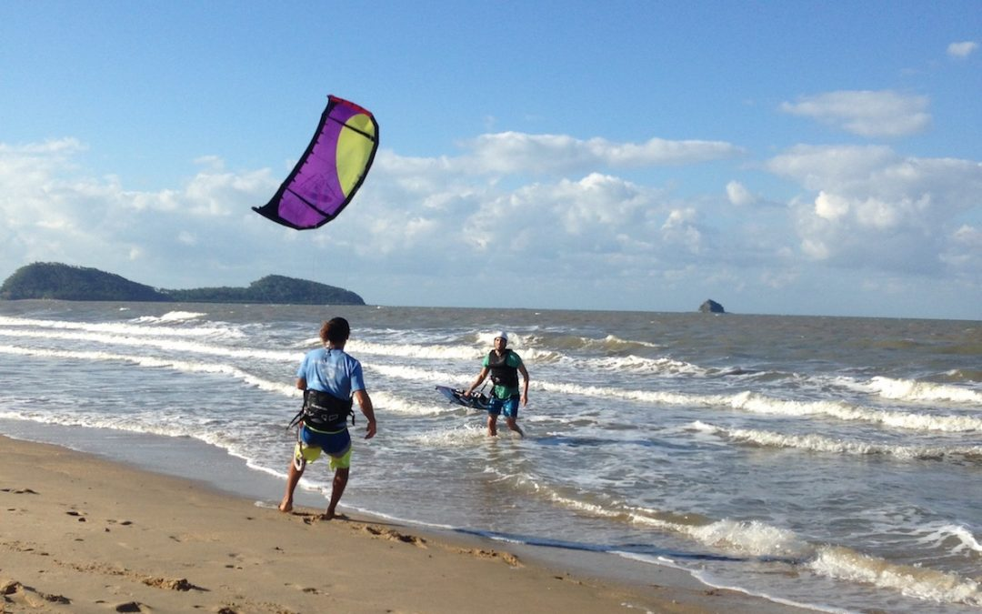 Kiteboarding Lessons in Cairns